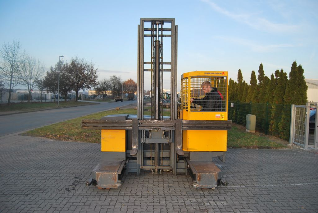Baumann EVU25-23/08-06 Four-way side loader www.hinrichs-forklifts.com