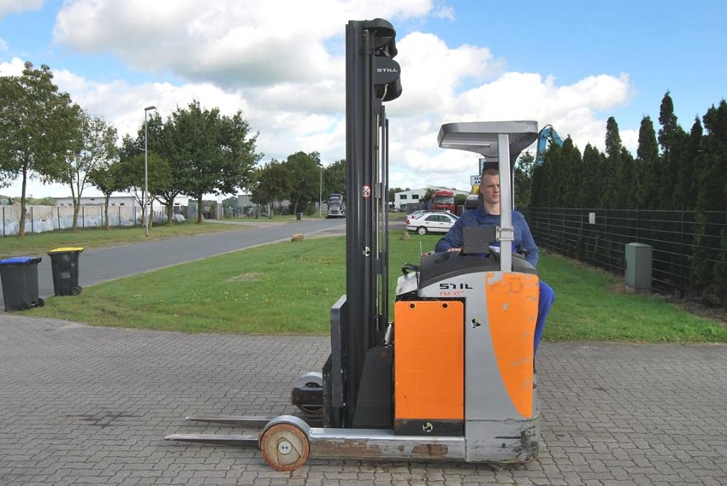 Still FM-X17 Electric reach truck www.hinrichs-forklifts.com