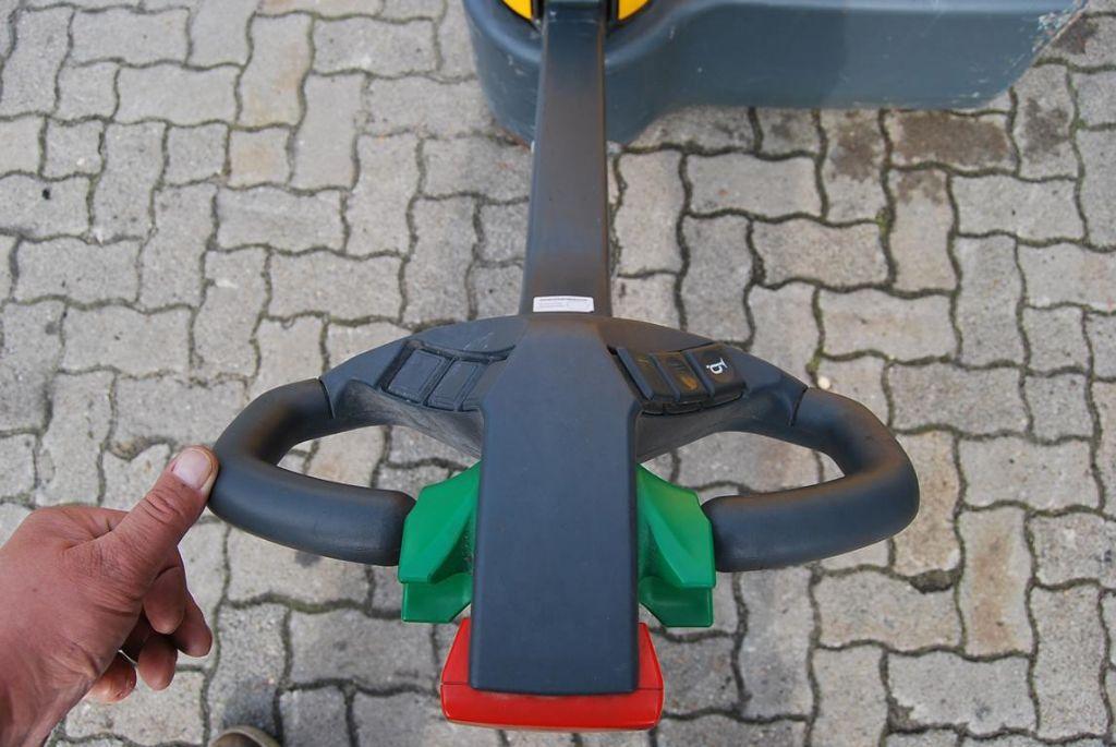 Jungheinrich EMC 110 Pedestrian Stacker