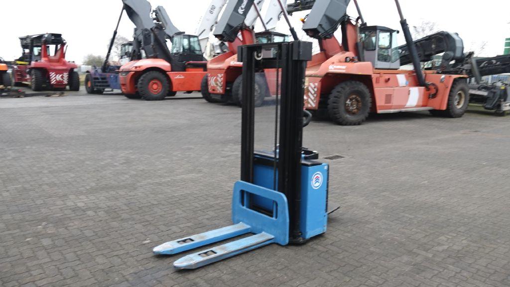 Hanselifter CG1646 Pedestrian Stacker