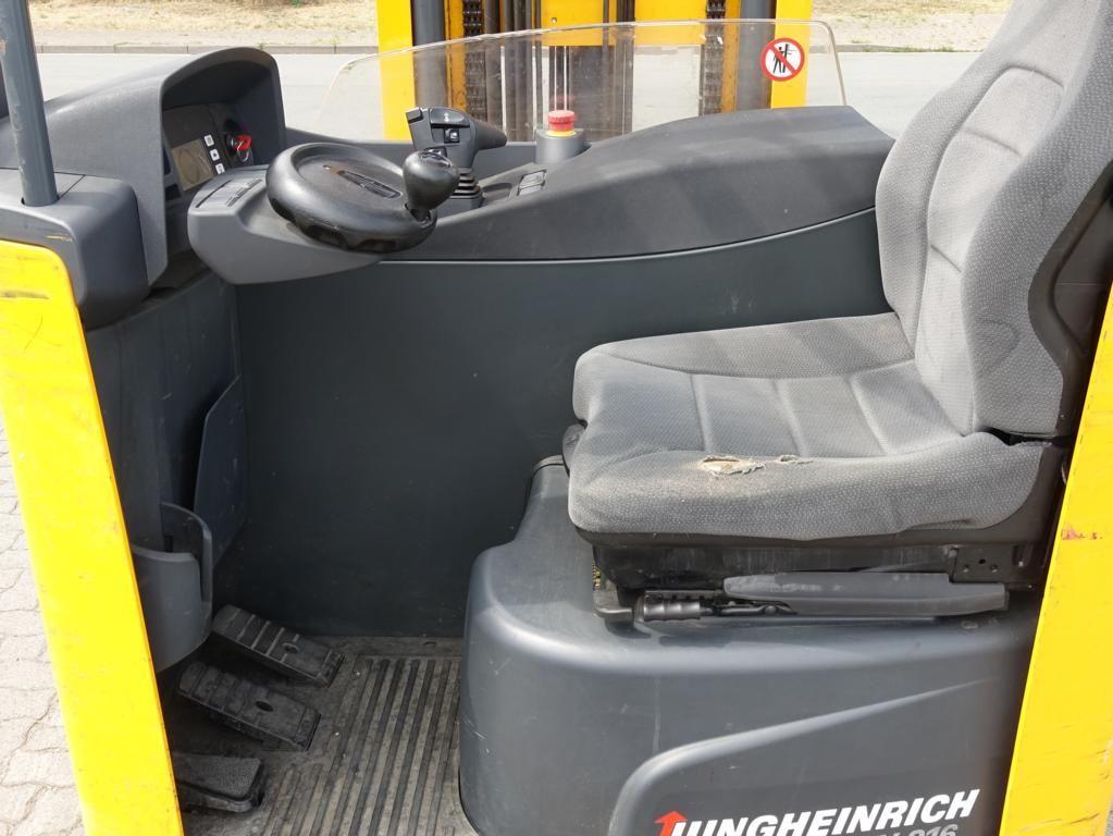 Jungheinrich ETV216 Штабелeр-ричтрак