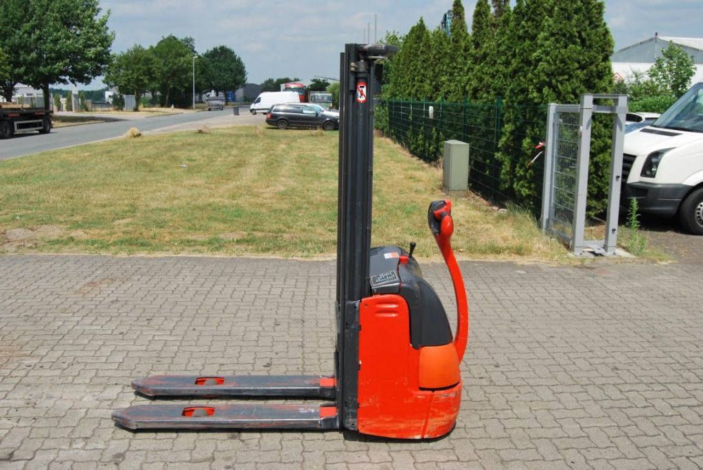 Linde L10 High Lift stacker www.hinrichs-forklifts.com