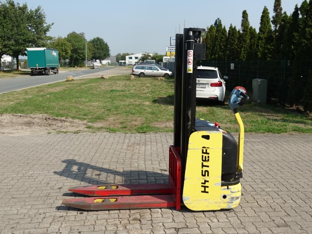 Hyster S1.02820 Máquinas con timón www.hinrichs-forklifts.com