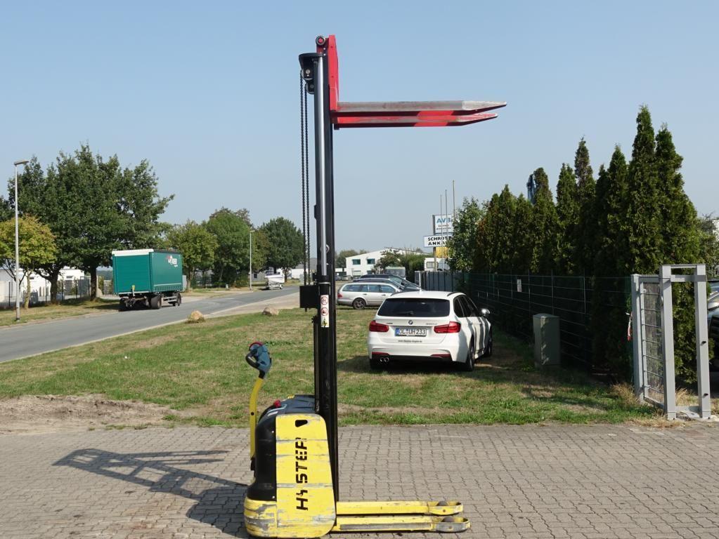 Hyster S1.02820 Pedestrian Stacker