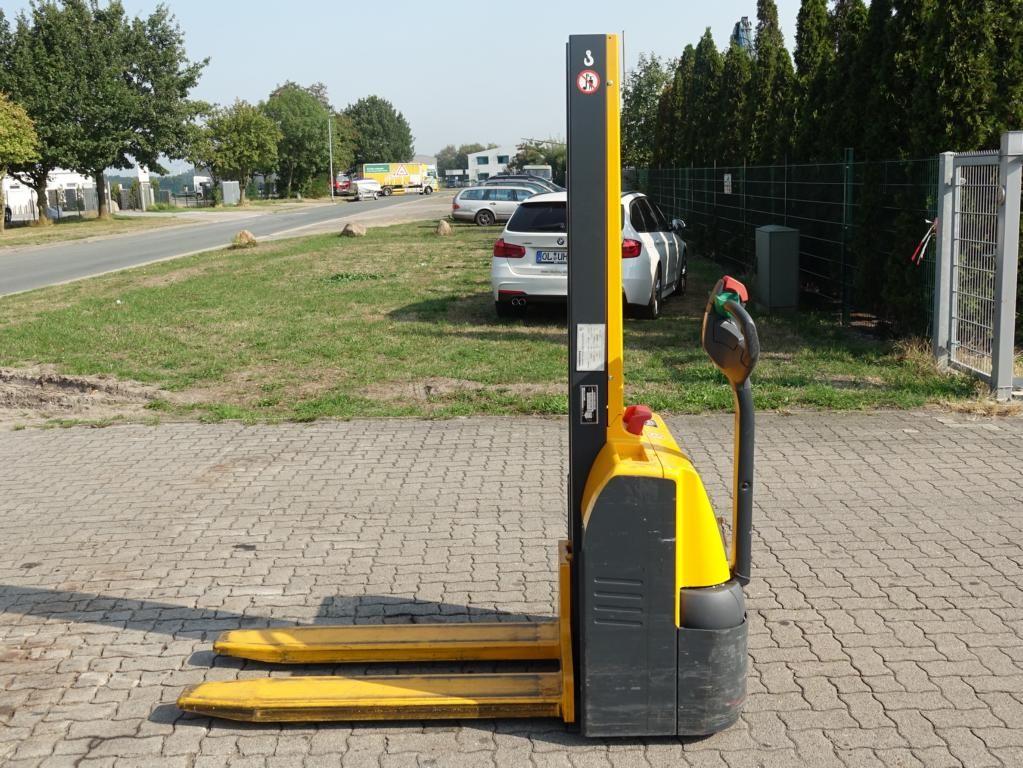 Jungheinrich EMC 110 Pedestrian Stacker www.hinrichs-forklifts.com