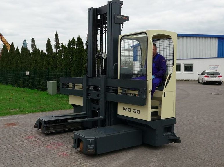 Hubtex MQ30 Four-way side loader www.hinrichs-forklifts.com