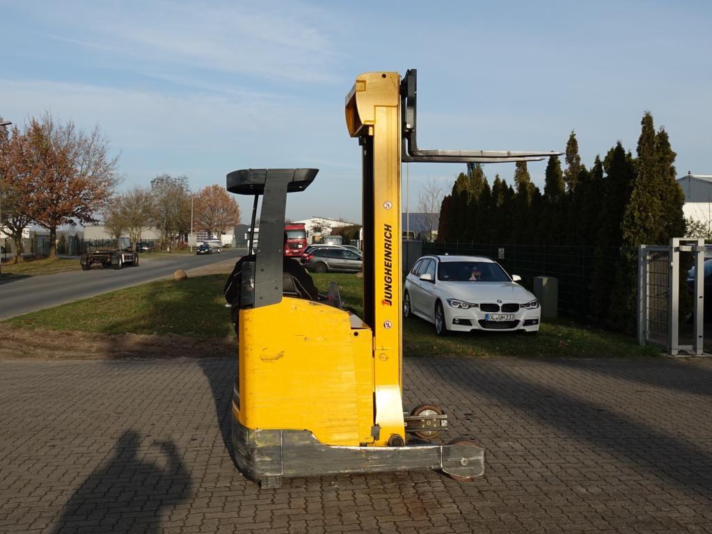 Jungheinrich ETV214 Schubmaststapler