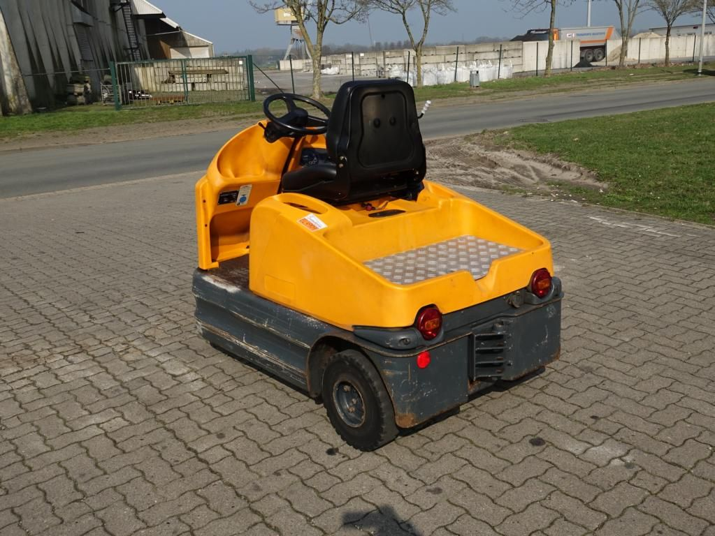 Still R06 Tow Tractor