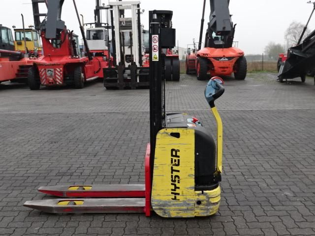 Hyster S1.0-2820 High Lift stacker www.hinrichs-forklifts.com