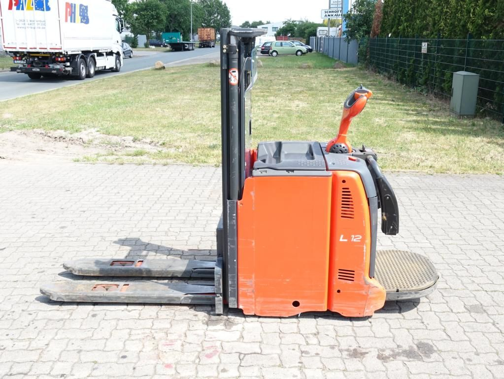 Linde L12AP Máquinas con timón www.hinrichs-forklifts.com