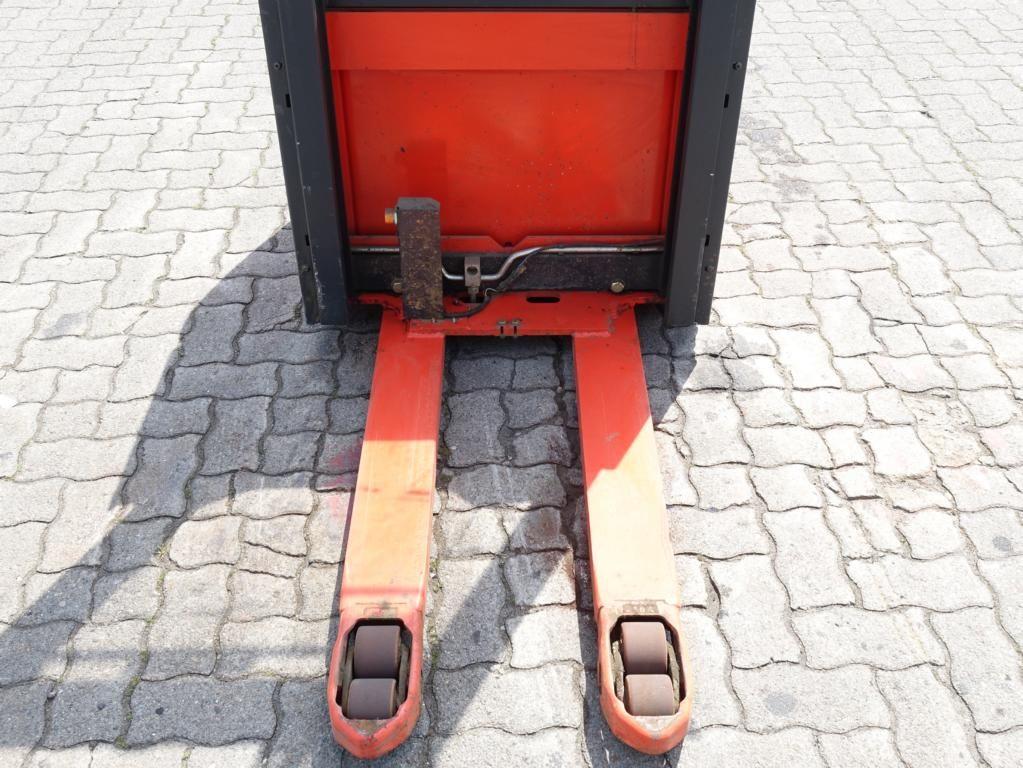 Linde L12AP Pedestrian Stacker