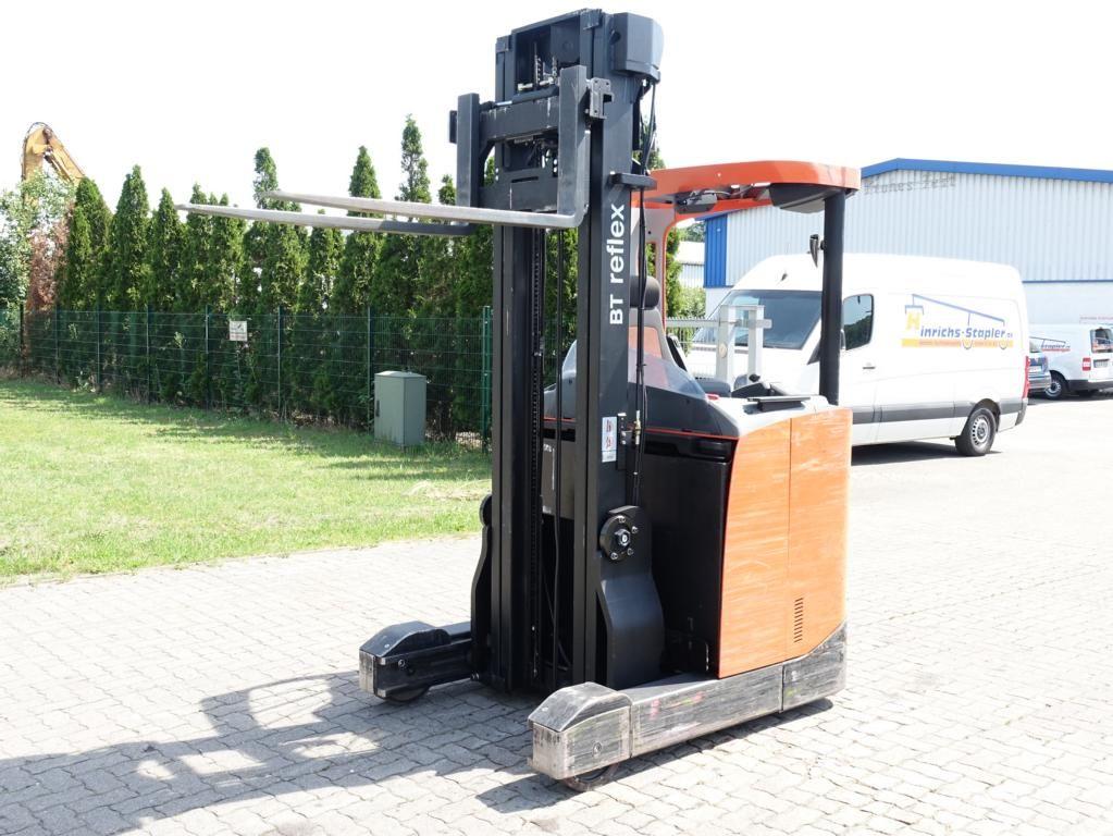 BT RRE140 Schubmaststapler www.MecLift.de