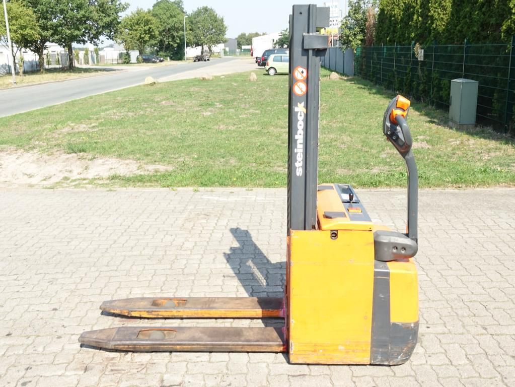Steinbock WP10 High Lift stacker www.hinrichs-forklifts.com