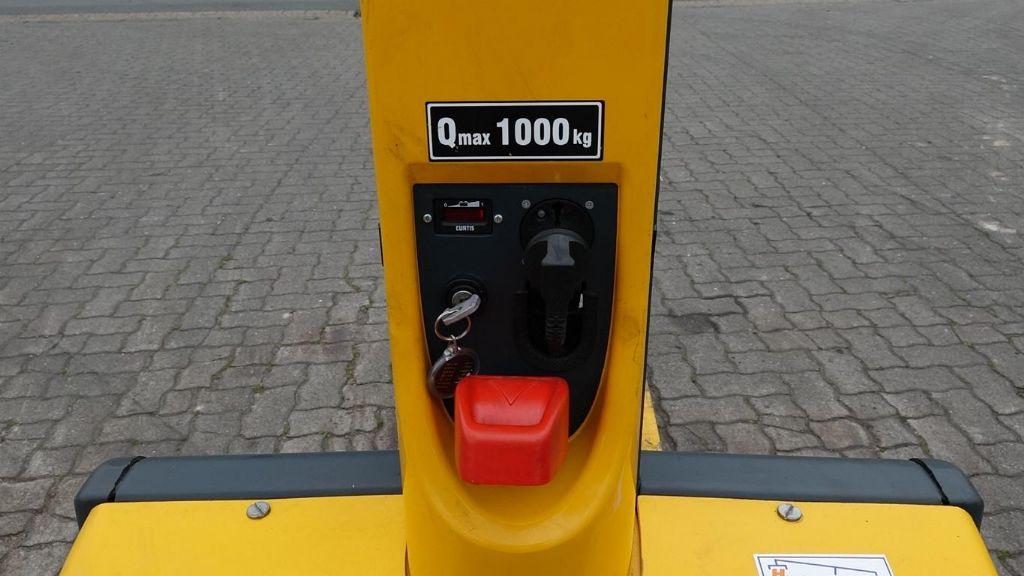 Jungheinrich EMC110 Pedestrian Stacker