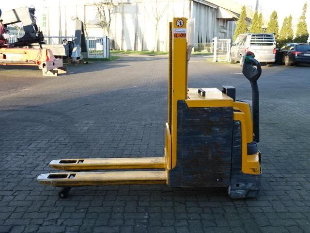 Jungheinrich EJD220 Pedestrian Stacker www.hinrichs-forklifts.com