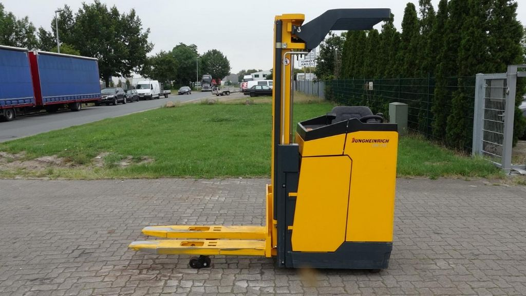 Jungheinrich ESC Z13 Stacker sit on