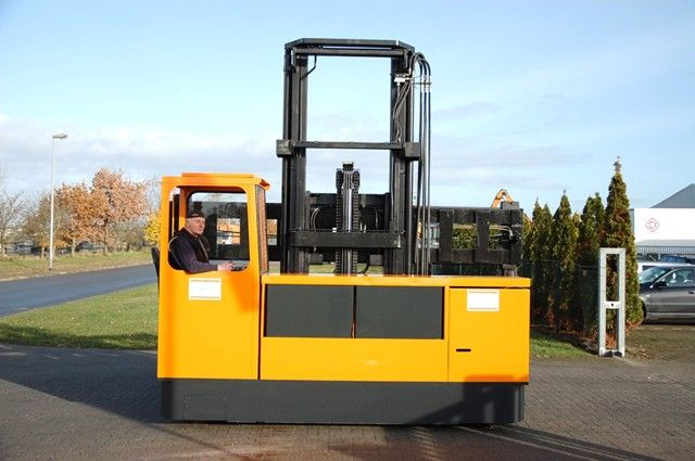 Bison 5004-4 Four-way side loader