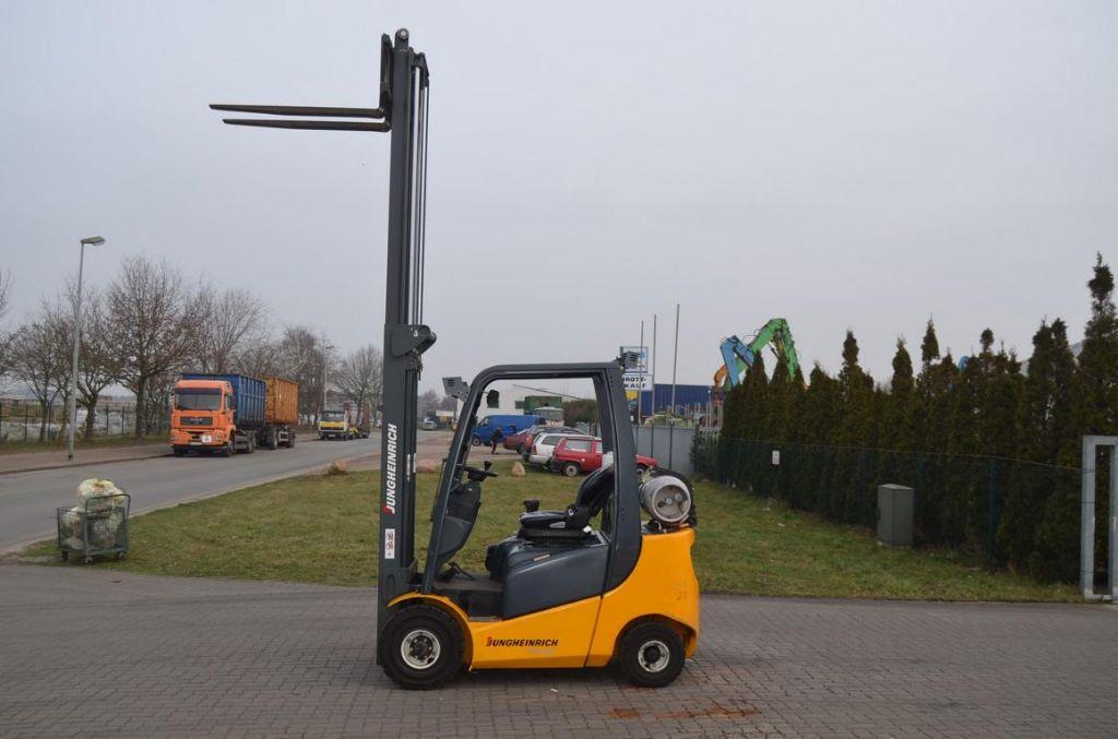 Jungheinrich TFG320 LPG Forklifts