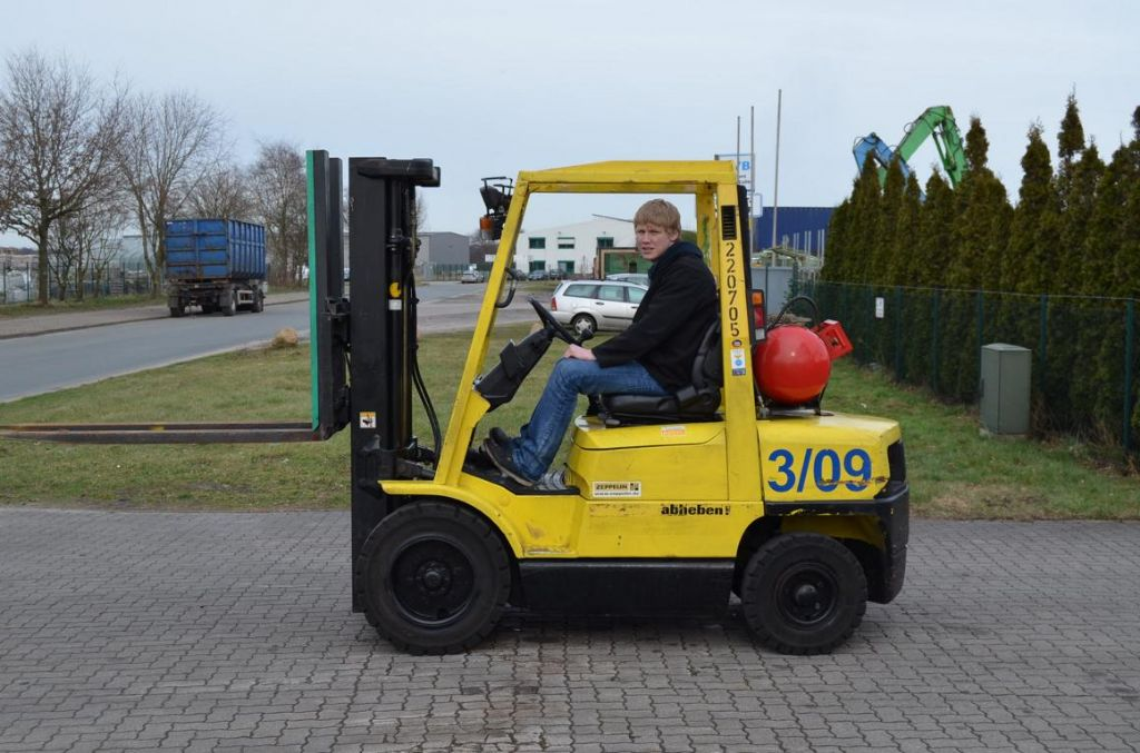 Hyster H3.00XM GLP www.hinrichs-forklifts.com