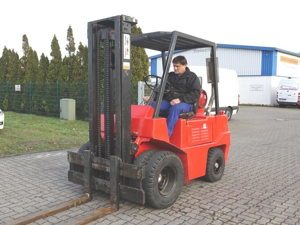 O+K V25 LPG Forklifts