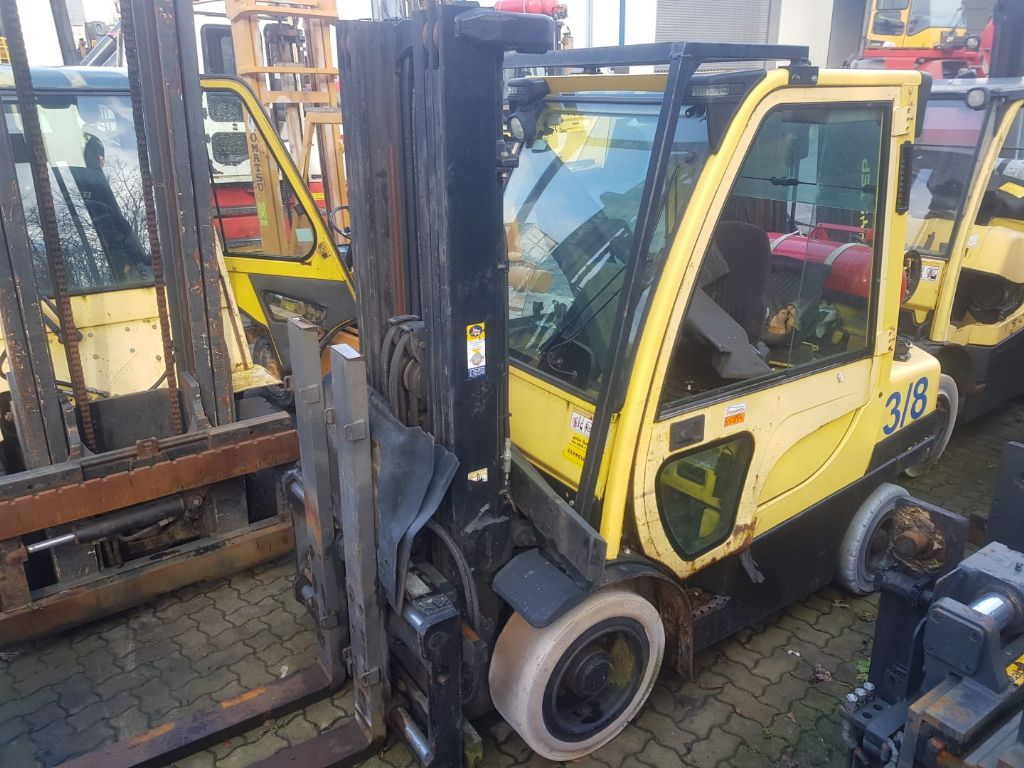 Hyster 5 units defect Hyster forklifts AS IS CONDITION Treibgasstapler www.hinrichs-forklifts.com