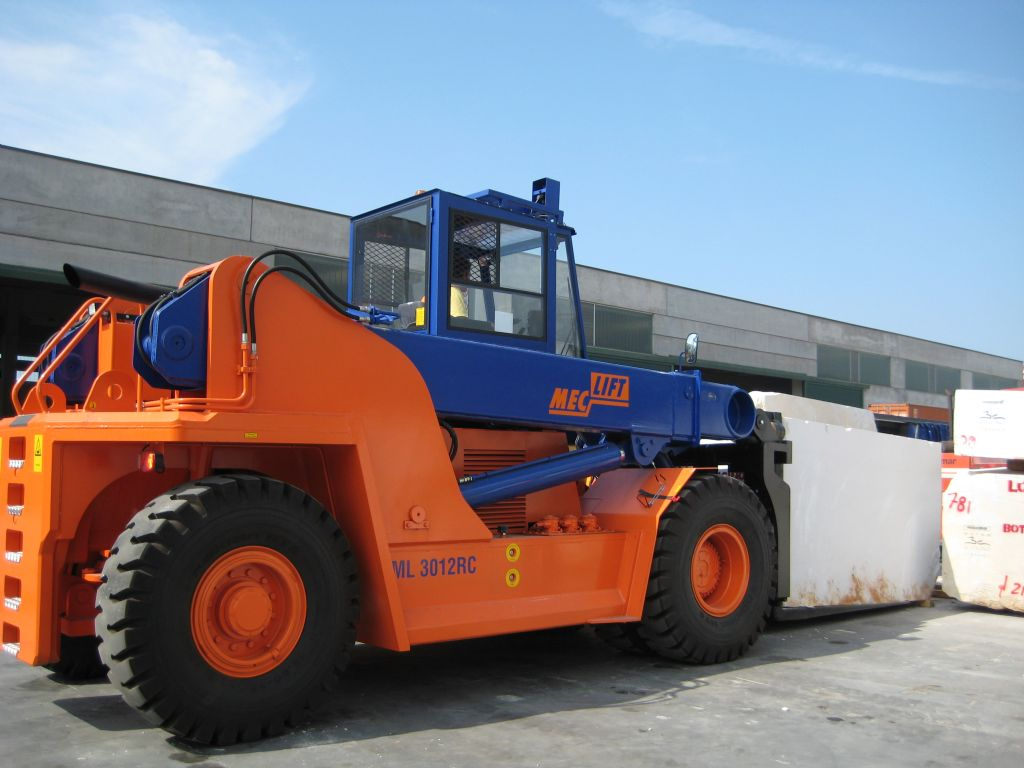 Meclift ML3012RC Vollcontainer Reachstacker