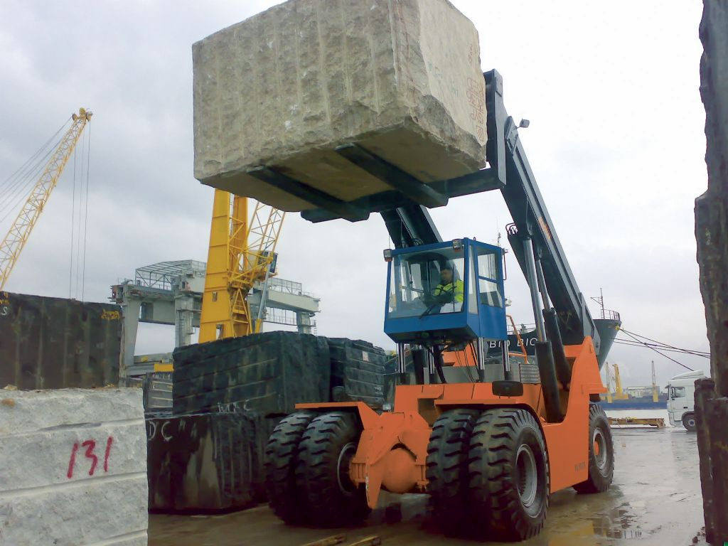 Meclift ML5012RC Reach-stacker per container pieni www.hinrichs-forklifts.com