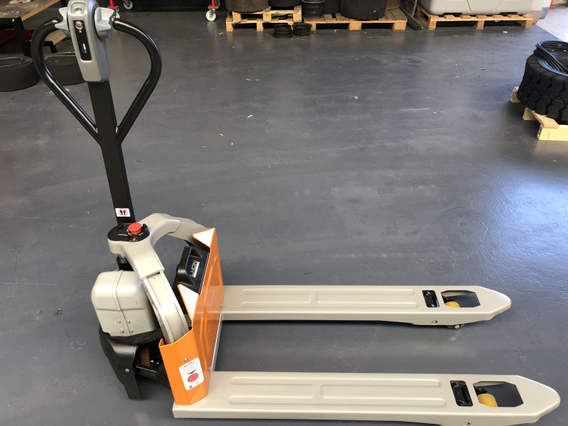 Still ECH12 Handhubwagen www.hirtz-stapler.de