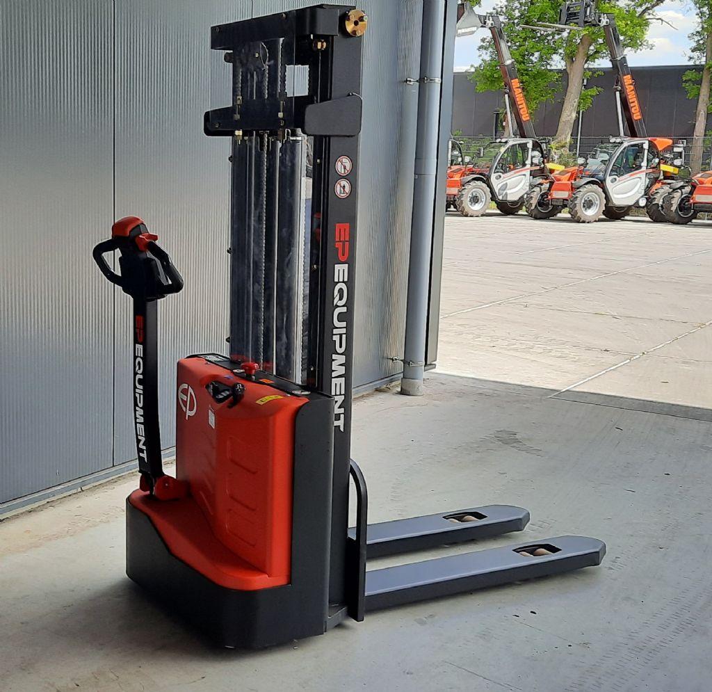 EP-ES15-15ES 2700-Deichselstapler-www.holthuis-gabelstapler.de
