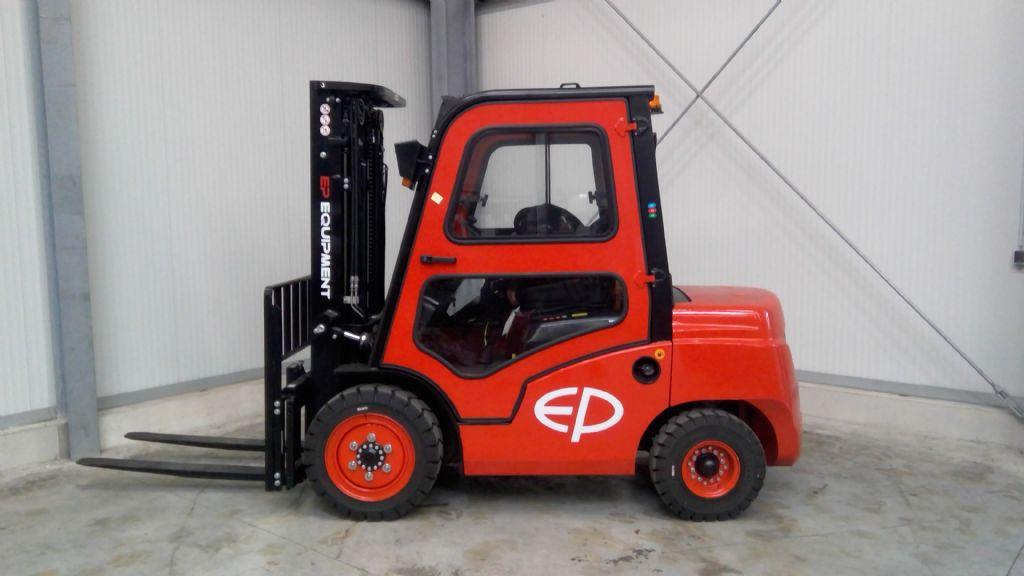 EP-CPCD30T8-Dieselstapler-www.holthuis-gabelstapler.de