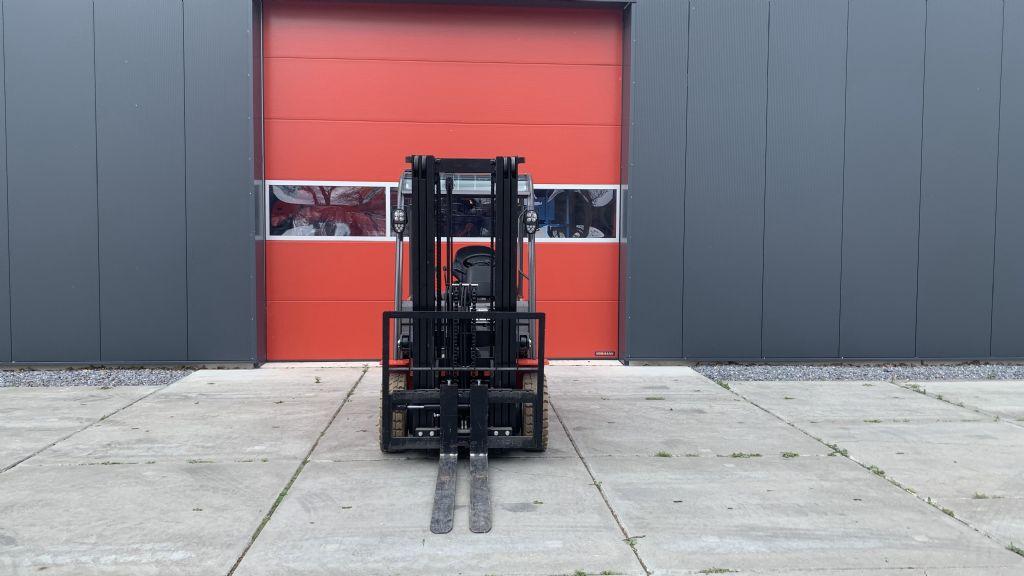 Manitou-ME425C-Elektro 4 Rad-Stapler-www.holthuis-gabelstapler.de