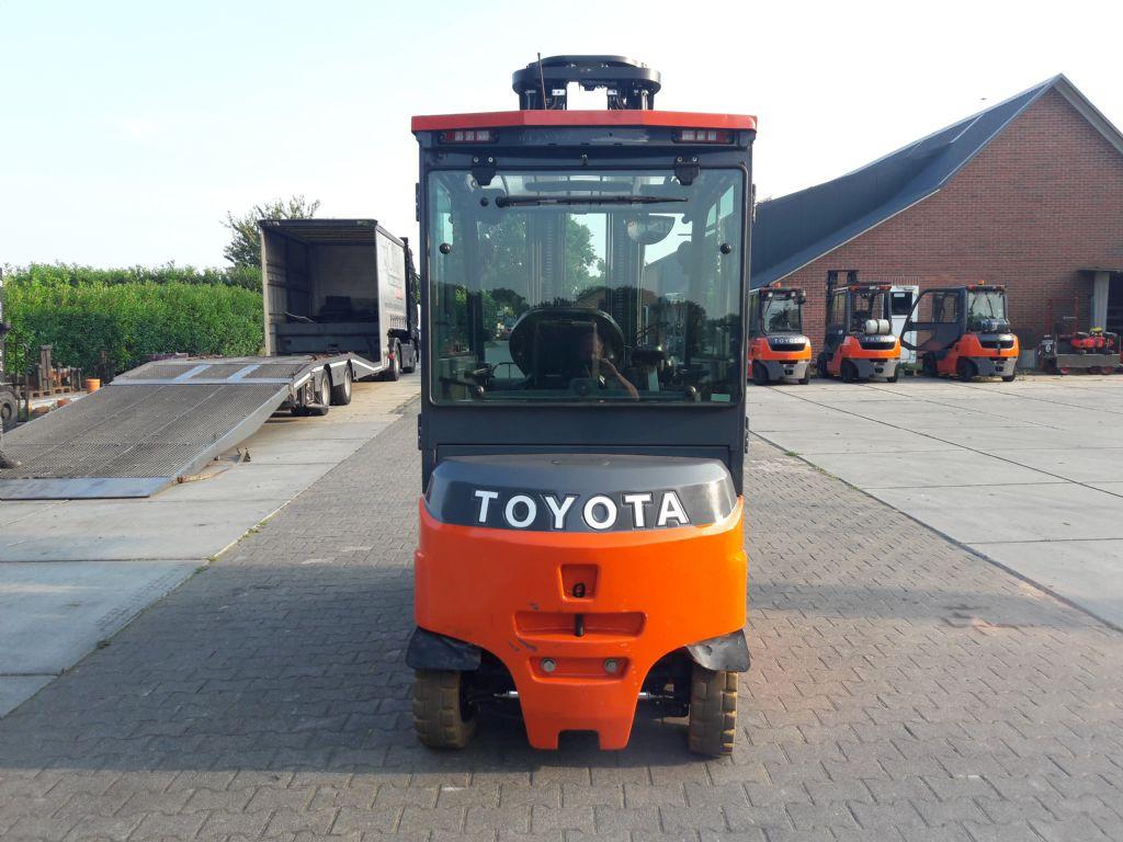 Toyota-8FBMT35-Elektro 4 Rad-Stapler-www.holthuis-gabelstapler.de