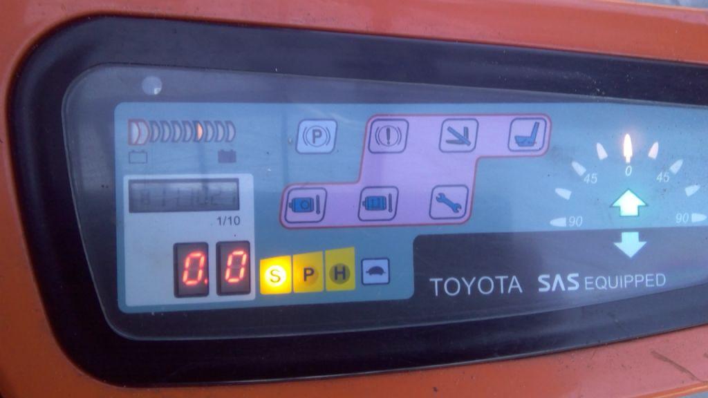 Toyota-7FBEST15-Elektro 3 Rad-Stapler-www.holthuis-gabelstapler.de