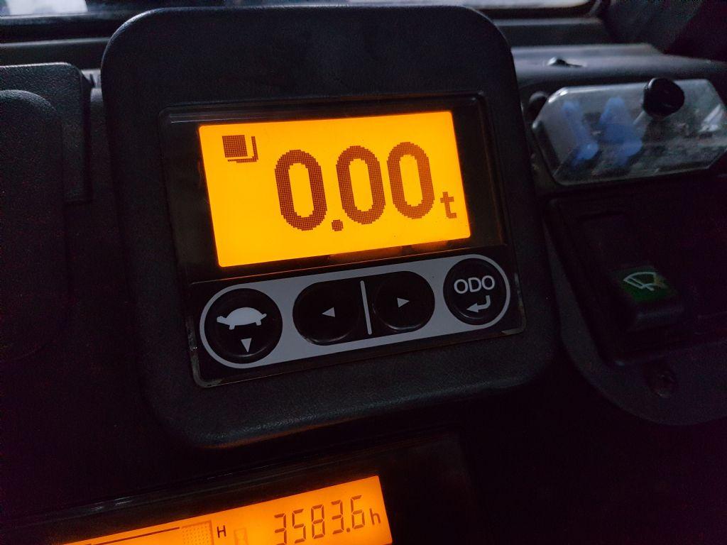 Toyota-02-8FDF15-Dieselstapler-www.holthuis-gabelstapler.de