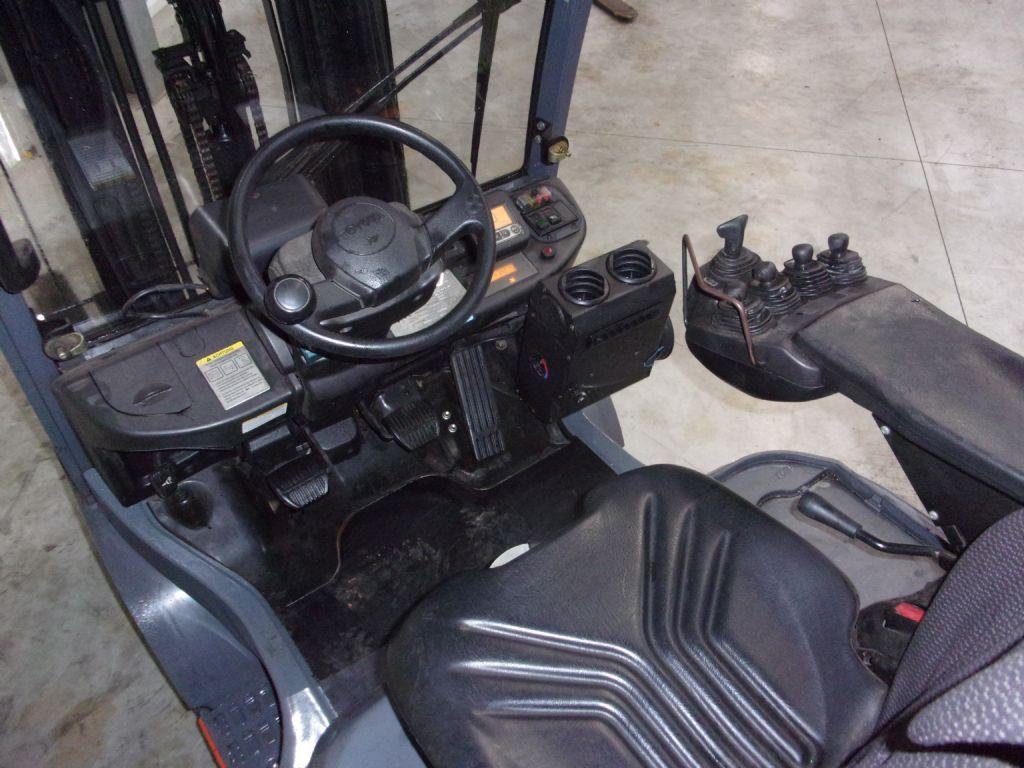 Toyota-02-8FG18-Treibgasstapler-www.holthuis-gabelstapler.de