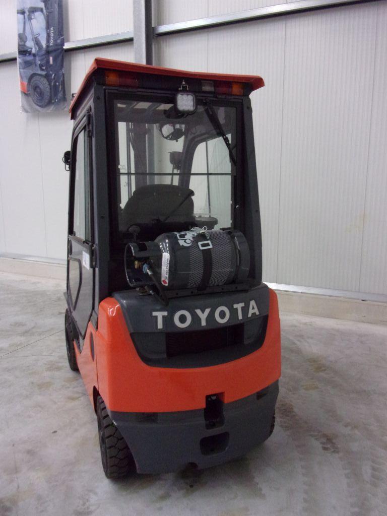Toyota 02-8FGF18 Treibgasstapler www.foerdertechnik-rietberg.de