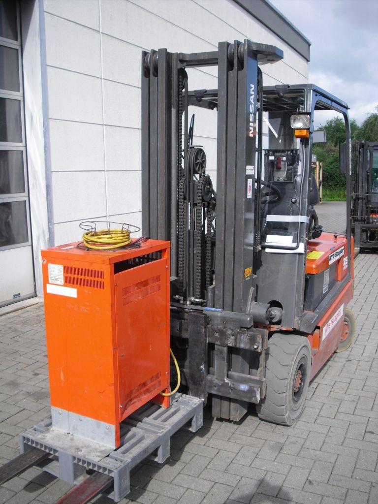 Nissan-Q02L25CU-Elektro 4 Rad-Stapler-www.htc-stapler.de