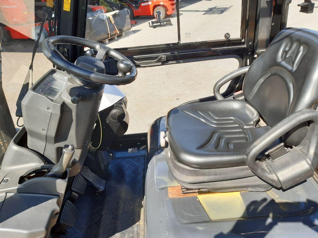 Caterpillar DP 35 NT Dieselstapler www.huh-staplerservice.at
