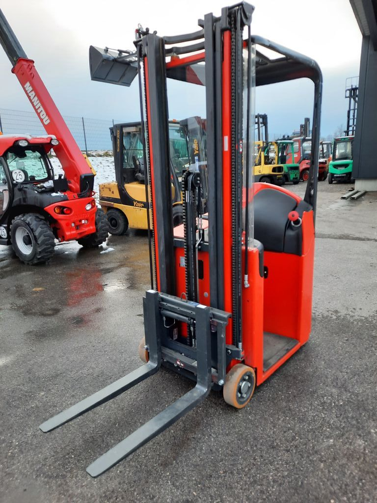 Linde E 10 Triplex Hochhubwagen www.huh-staplerservice.at