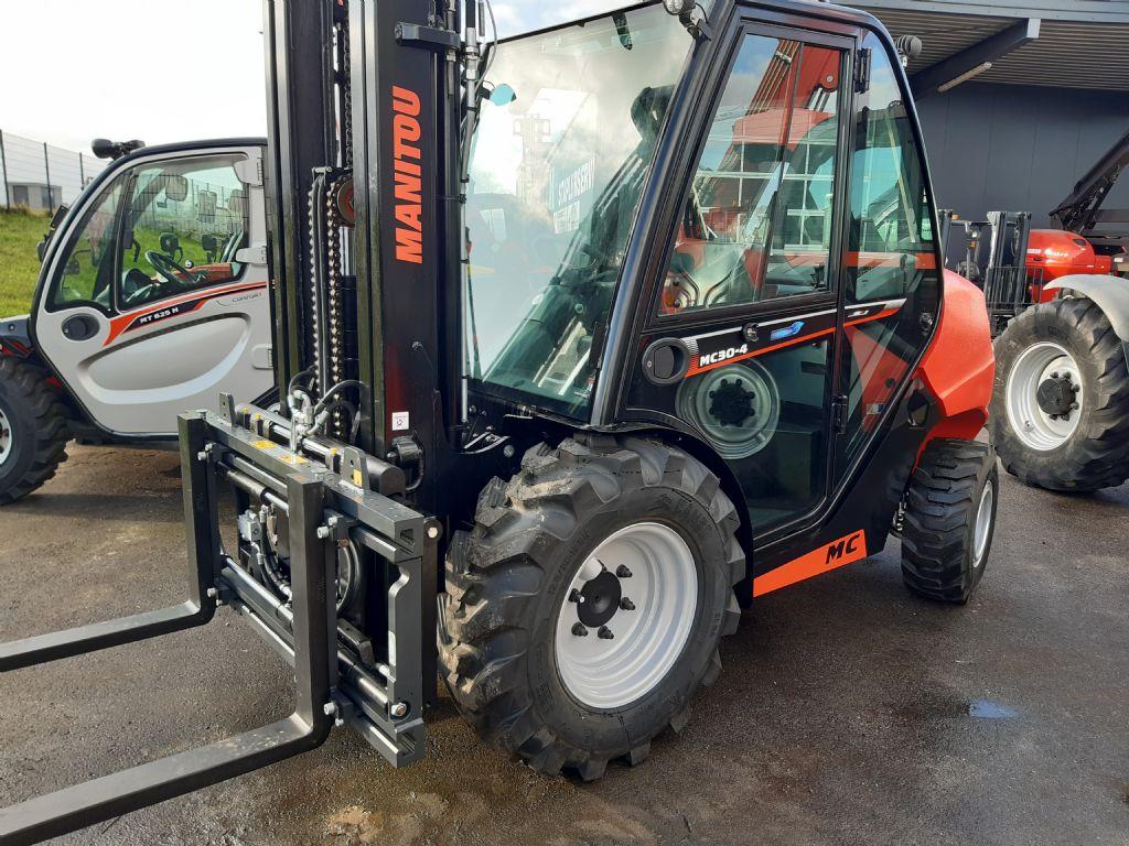 Manitou MC 30 - 4 ALLRAD Geländestapler www.huh-staplerservice.at