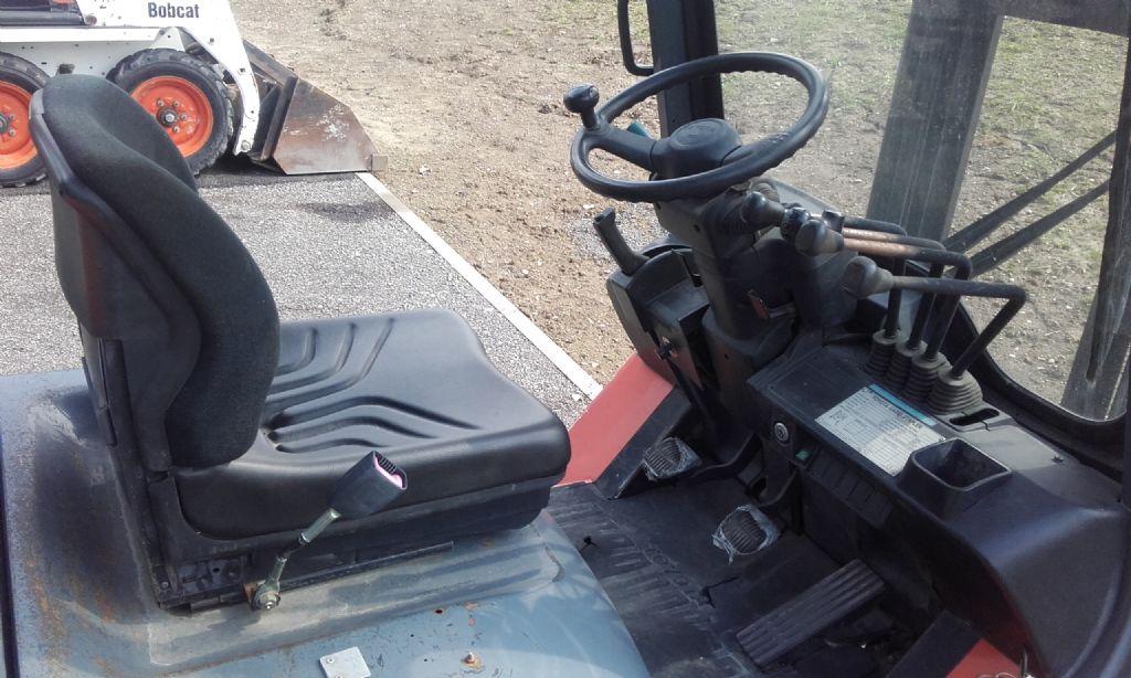 Toyota 7 FGF 25  Benzinstapler www.huh-staplerservice.at