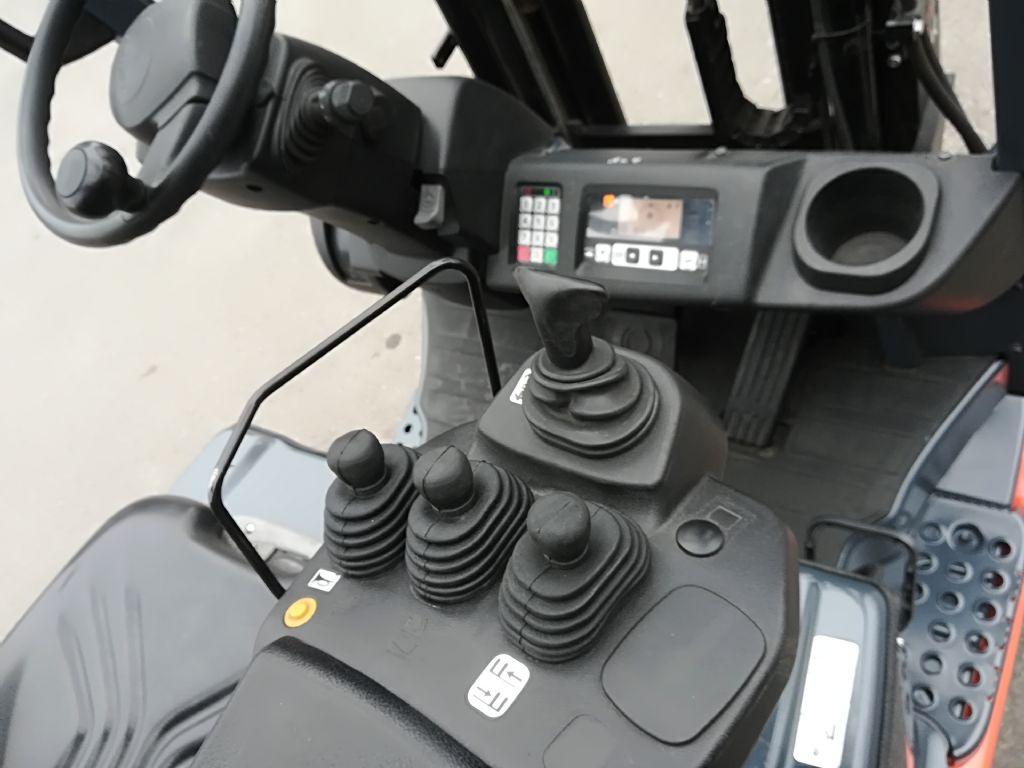 Toyota 8 FBET 15 Elektro 3 Rad-Stapler www.huh-staplerservice.at