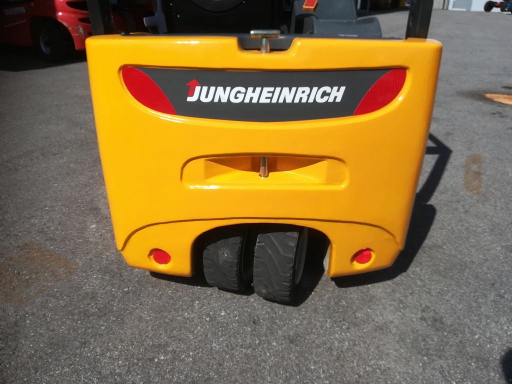 Jungheinrich EFG 216K Elektro 3 Rad-Stapler www.huh-staplerservice.at