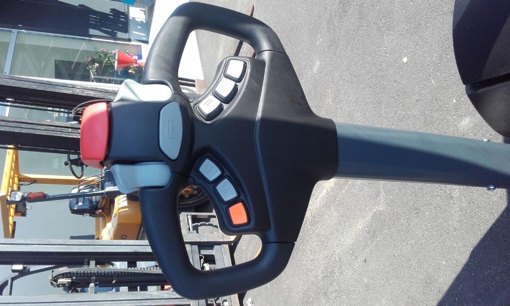 Manitou ES 412 ET Hochhubwagen www.huh-staplerservice.at