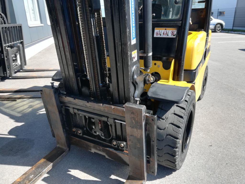 Yale GDP 35 VX Triplex Dieselstapler www.huh-staplerservice.at