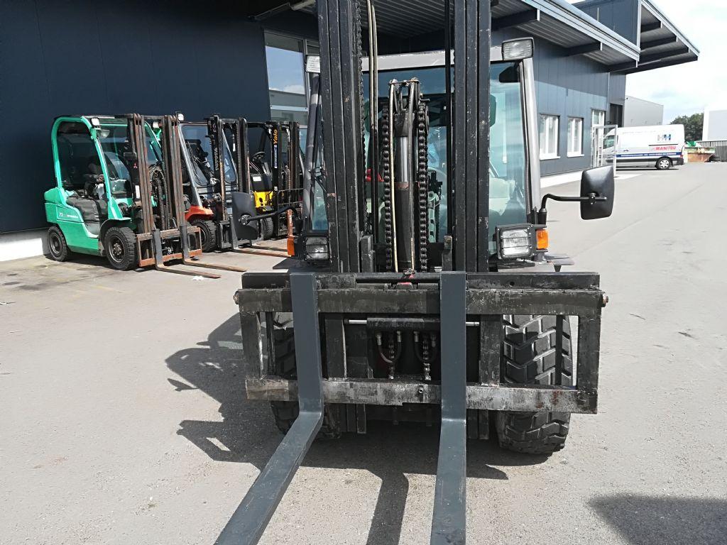 Manitou MSI 30 D  Geländestapler www.huh-staplerservice.at