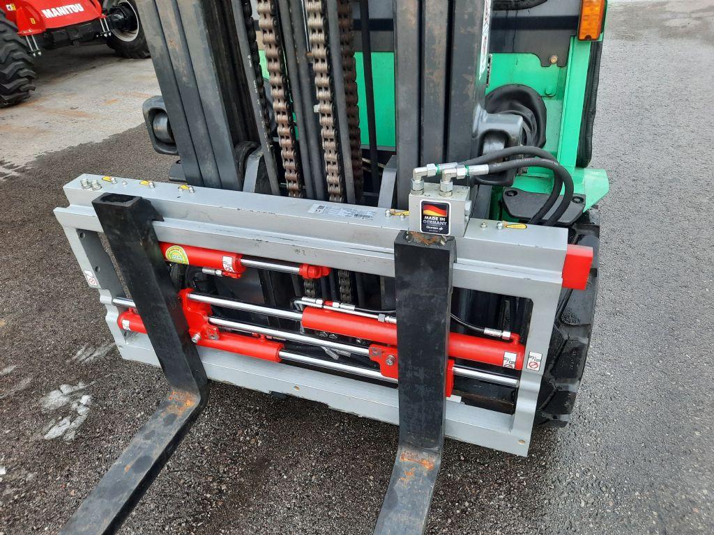 Mitsubishi FD 30 NT Triplex Dieselstapler www.huh-staplerservice.at