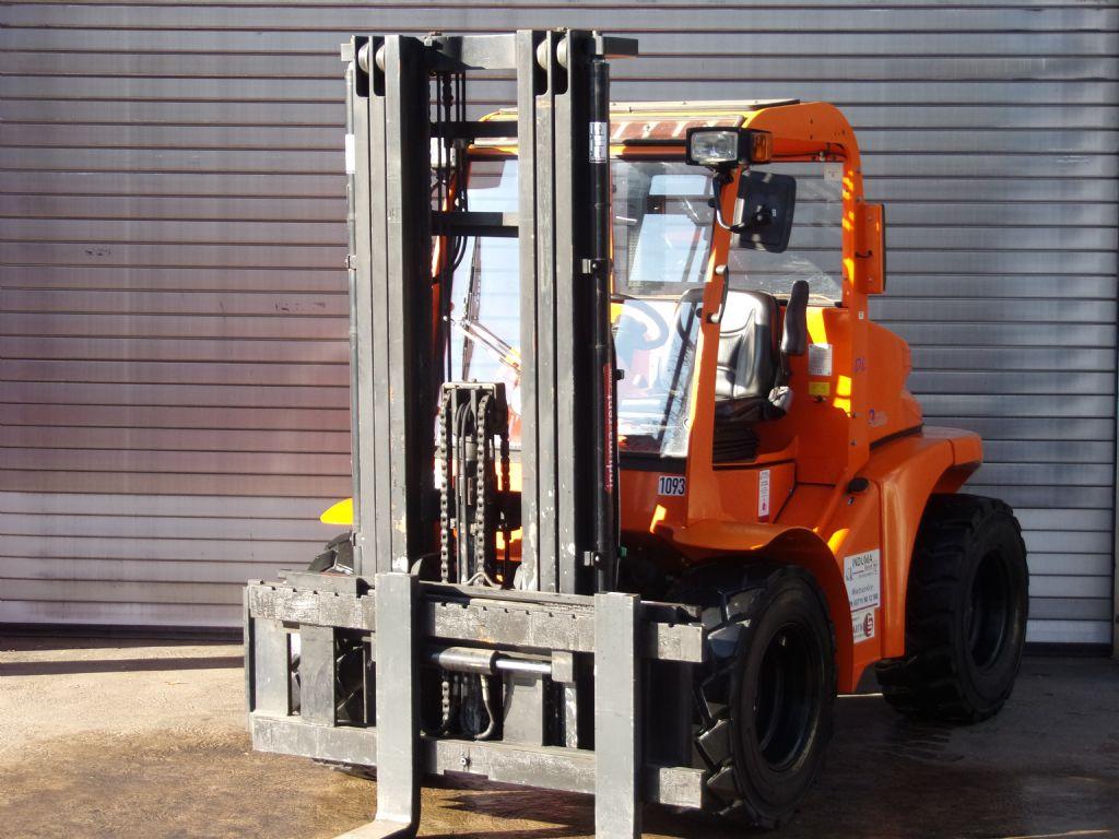 Mastexplorer-H30 DL 4WD-Geländestapler-www.induma-rent.com