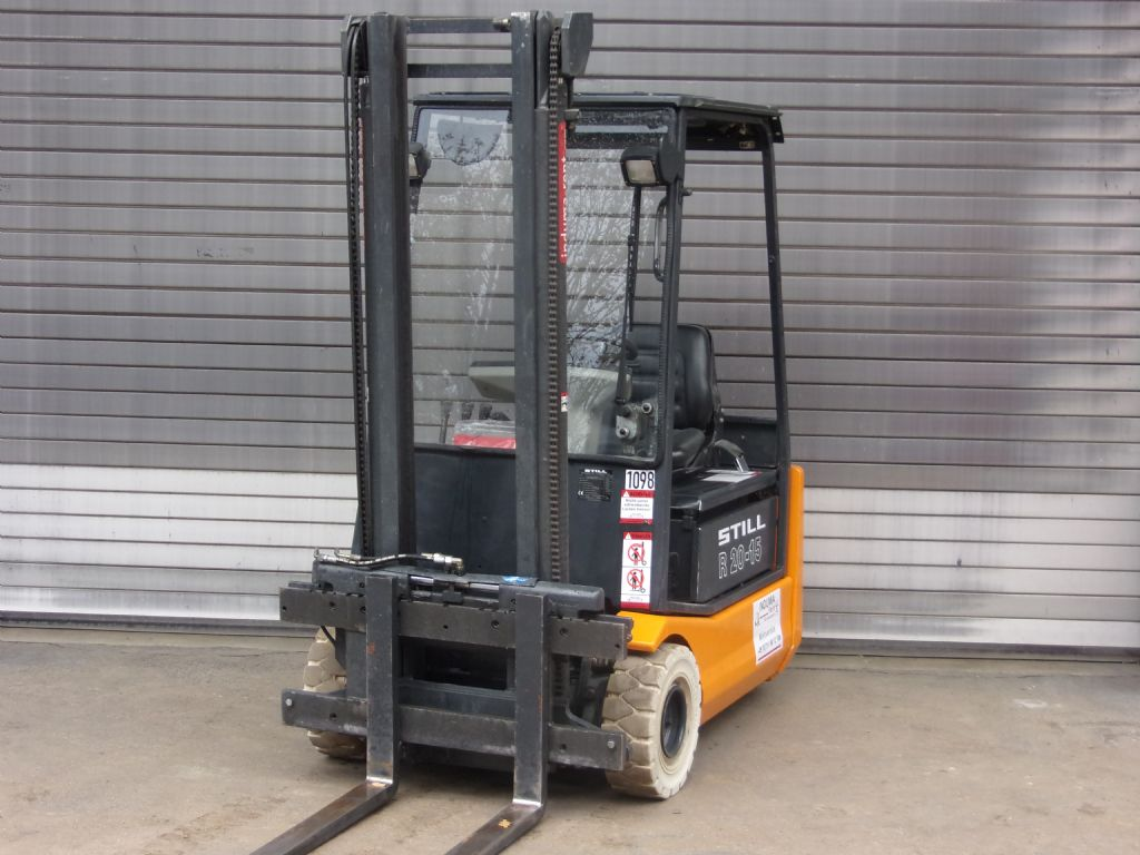 Still-R20-15-Electric 3-wheel forklift-www.induma-rent.com