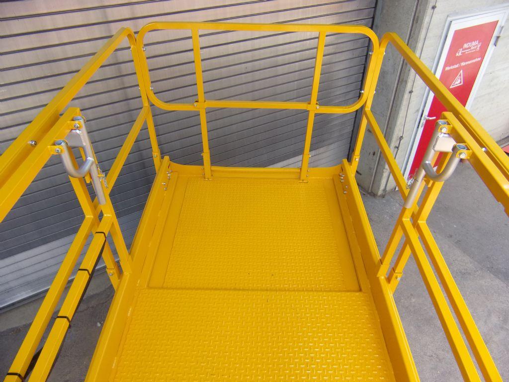 Haulotte-Compact12 RTE-Scherenarbeitsbühne -www.induma-rent.com